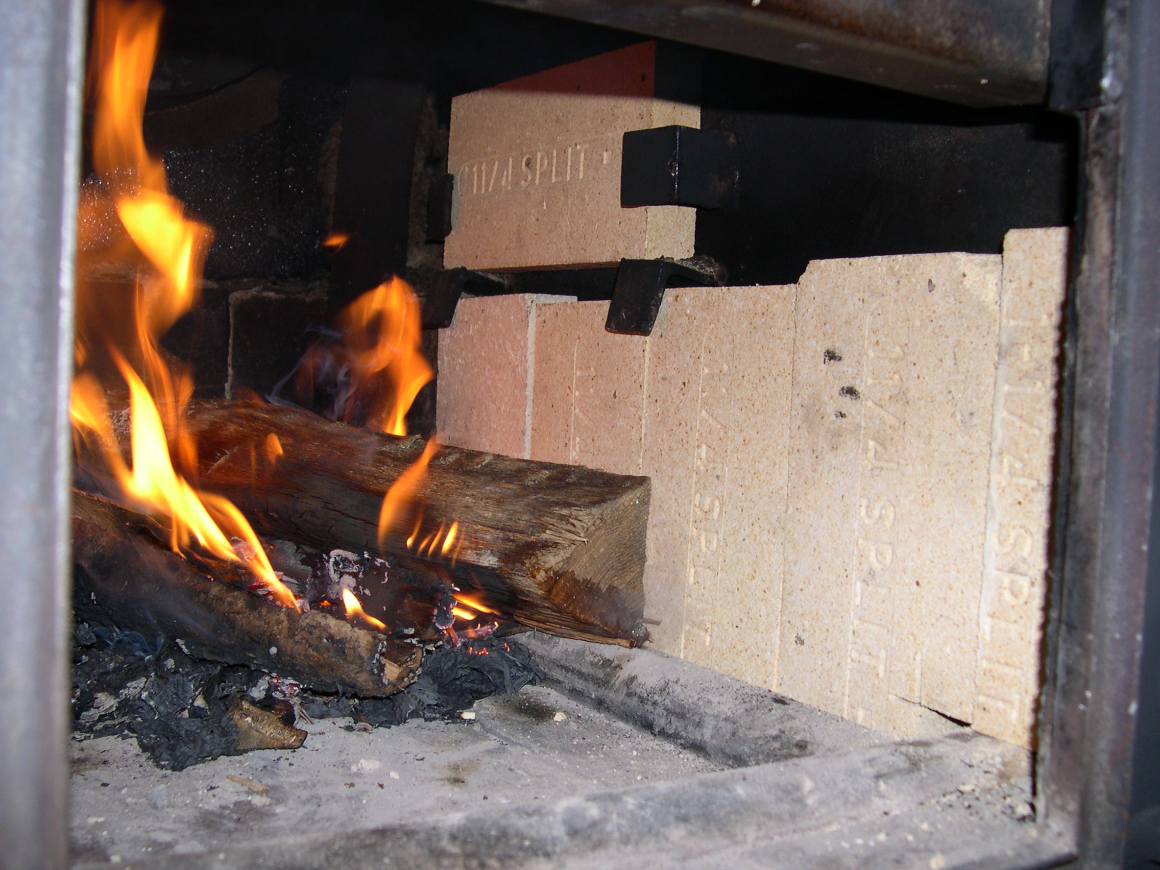 Old Fire Brick : New fire brick the heat is on england s narrow road