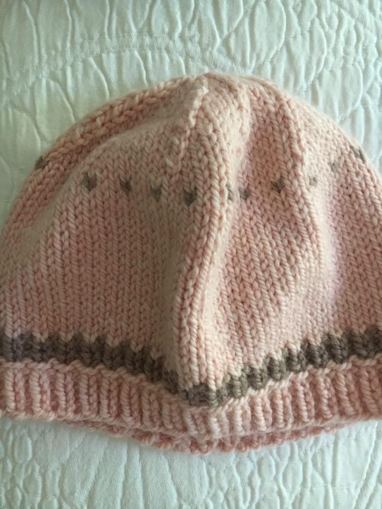 Pink baby hat, free knitting pattern
