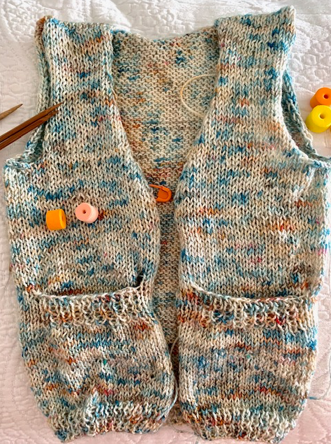 Baby sweater with pockets