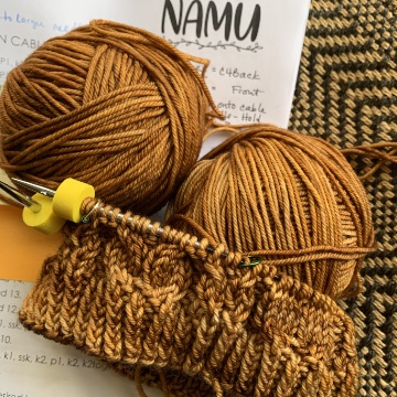 Knitting the Namu cowl