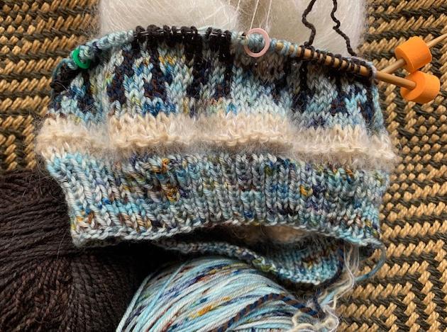 Moose Hat knitting