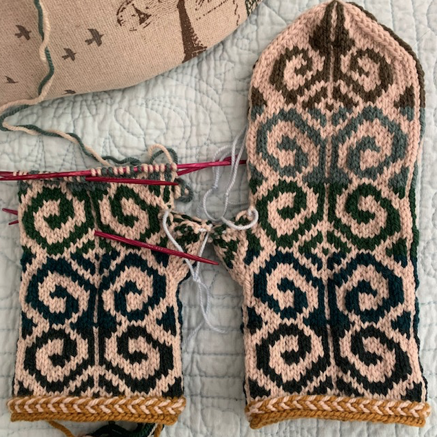 Fiddlehead mitten pattern