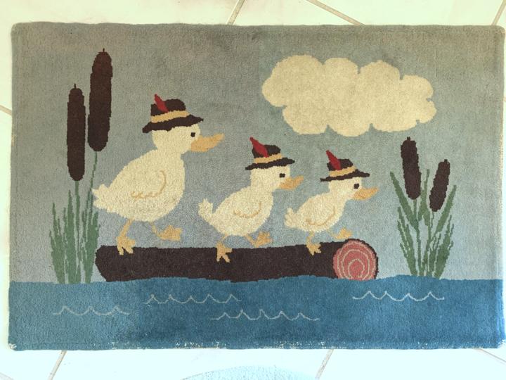 Three ducks vintage, hand-made hooked rug