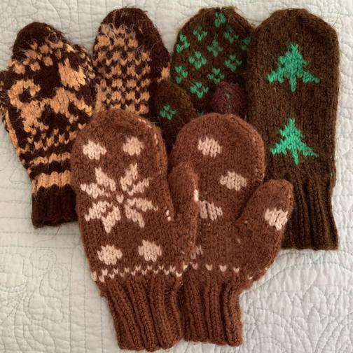Vintage hand-knit kid's mittens