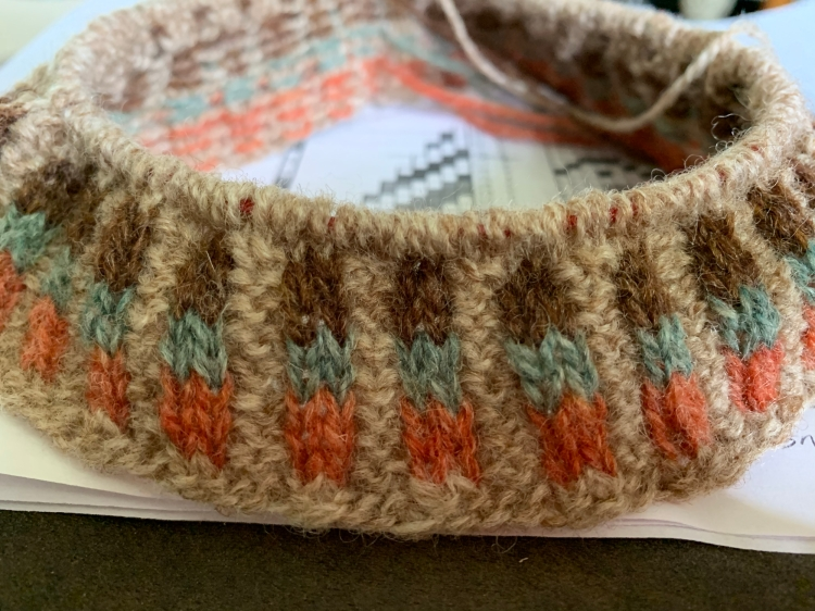Corrugated ribbing knit on the brim of a hat