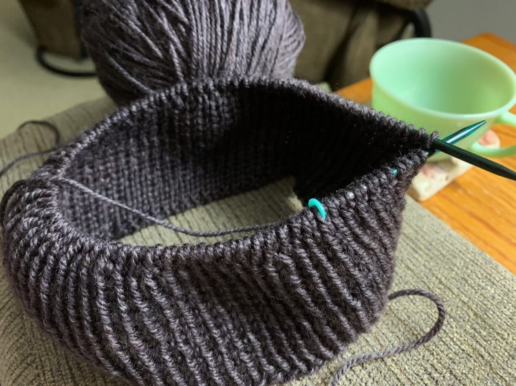 Beginning the ribbed watchcap