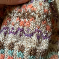 How to Knit Corrugated Ribbing For Colorwork Hats