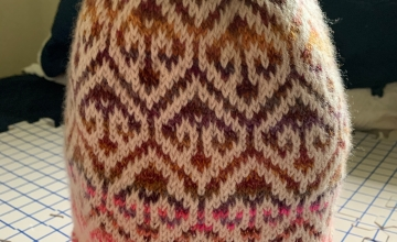 Turkish patterned cap knit in brown and white