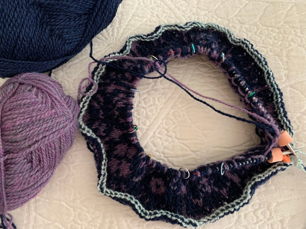 Cast on for the Keramos Cowl Fair Isle pattern