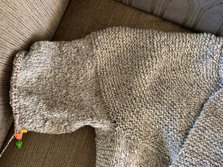 knitting Cobblestone sleeve