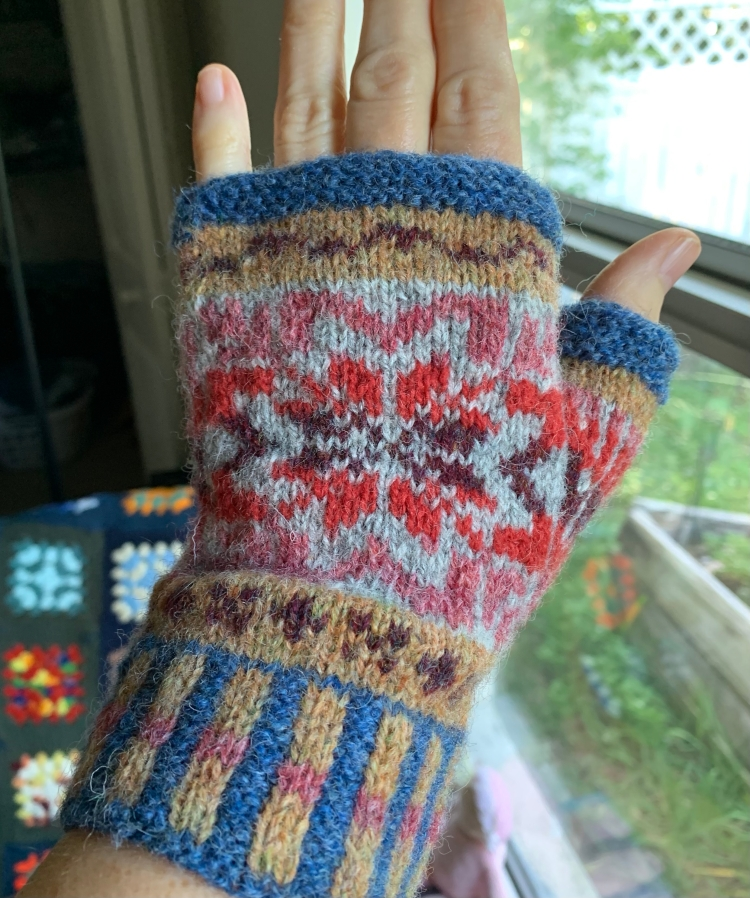 Fair Isle fingerless mitt stranded colorwork knitting