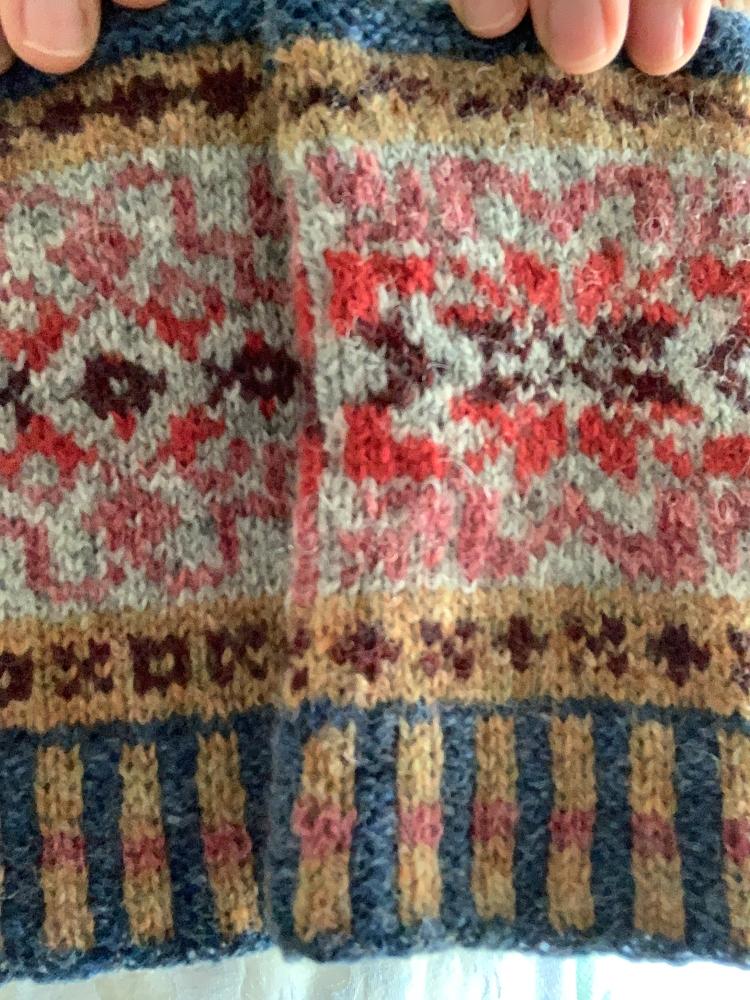 Colorwork mitts fingerless wool Shetland