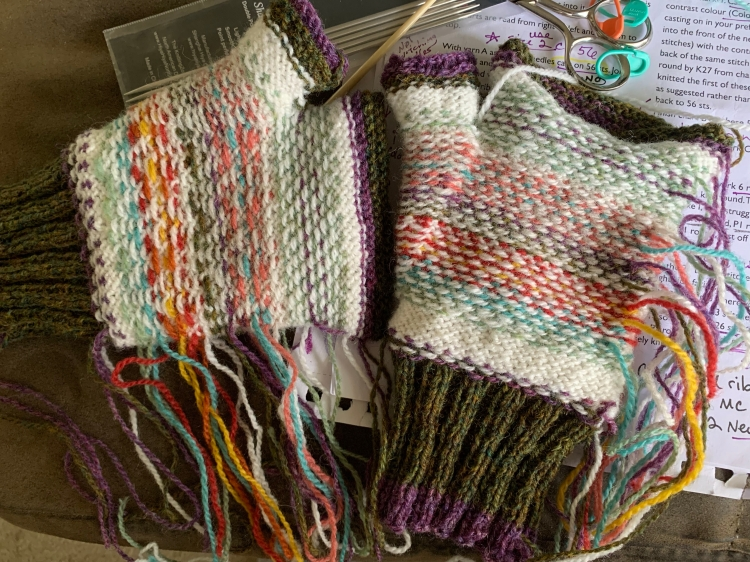 stranded colorwork floats and ends to weave in