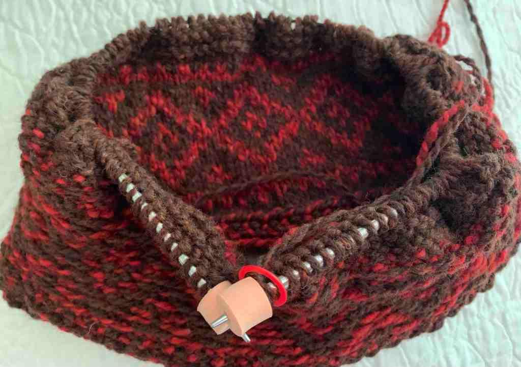 hat knitting, triple-patterned watchcap, colorwork, fair isle,